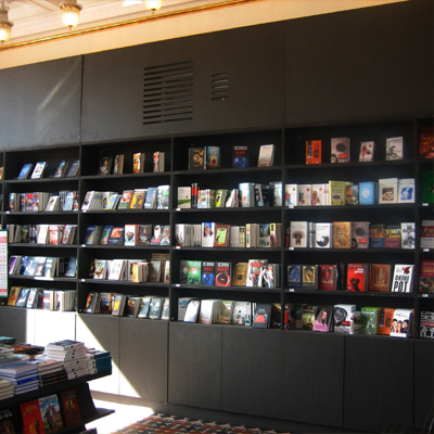 Elastic Paris Architecte d'intérieur Dom Knygi librairie
