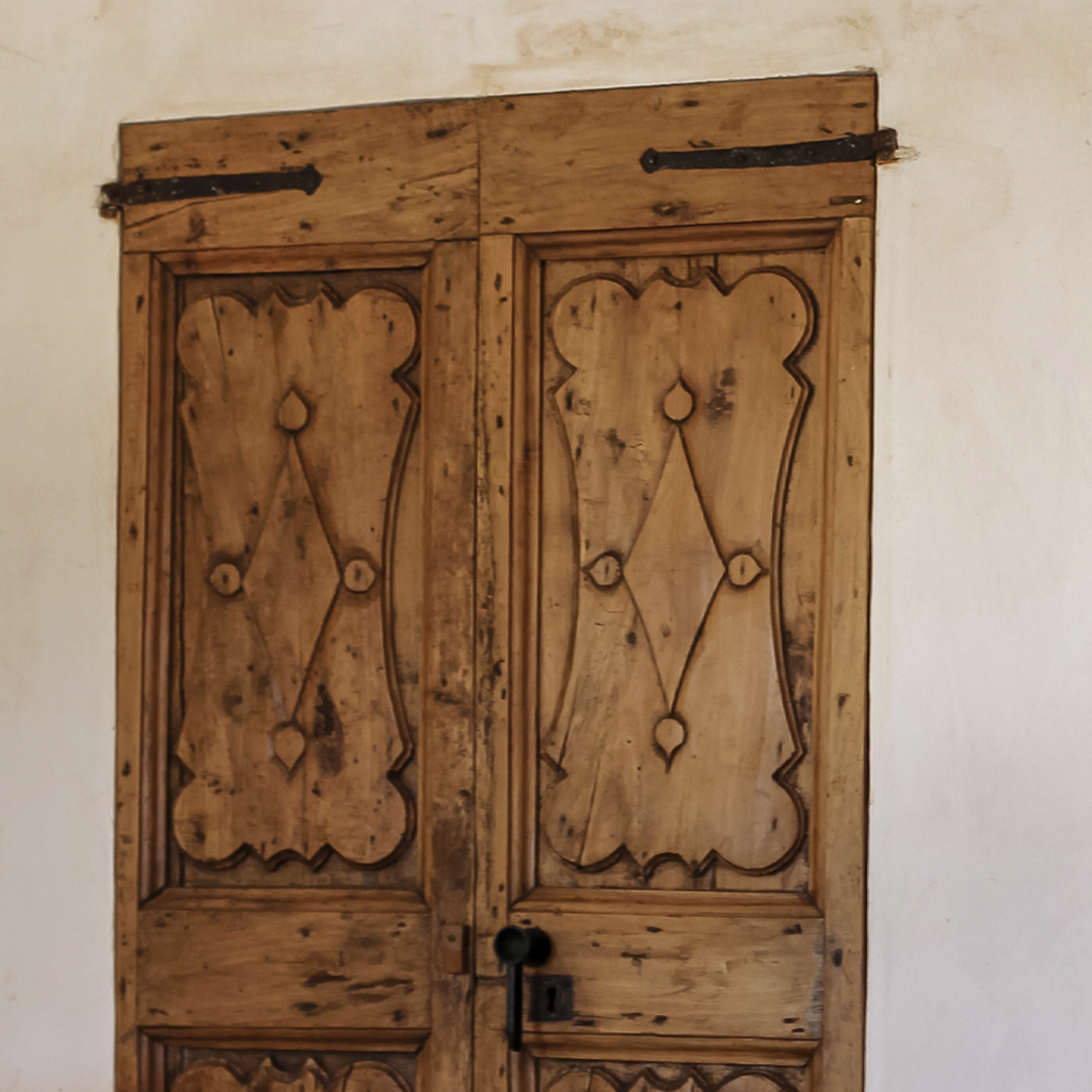 Elastic Paris Architecte d'intérieur Deia porte bois chêne